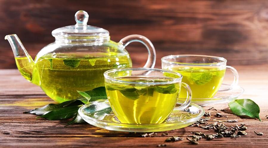 Чем полезен зеленый чай для женщин, от чего он помогает
